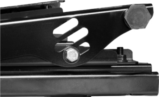 N SPORT LS9 Side 3×3 Position シートレール サイドステーでの高さ調整+シート前後に各3種類、計9種類の高さ調整機能 長穴&斜めにカットしたボルト穴で、高さ(角度)をほぼ無段階に調整可能